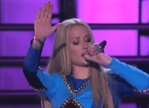 Iggy Azalea Raps In Brand New Language
