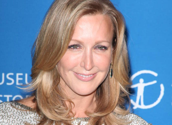 lara spencer gma co host splits from husband david