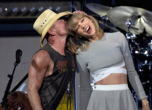 Taylor Swift Joined Kenny Chesney Onstage For His Big Revival 2015 Tour