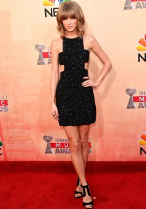Taylor Swift Won 3 Awards And The Red Carpet At iHeartRadio Music Awards