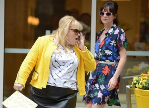 Rebel Wilson & Dakota Johnson Shoot 'How To Be Single' In NYC