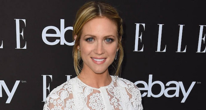 Brittany Snow Wears White Lace Dress To Elle Women In Music Event