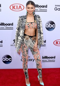 Zendaya Pulls Off Mixed Print Look At Billboard Music Awards