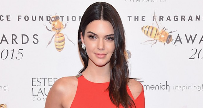 Kendall Jenner Wows At Fragrance Foundation Awards