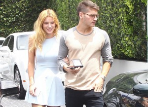 Gregg Sulkin Grabs Lunch With Girlfriend Bella Thorne In LA