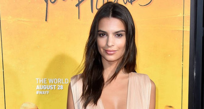 Emily Ratajkowski Showed Some Leg At The 'We Are Your Friends' Premiere