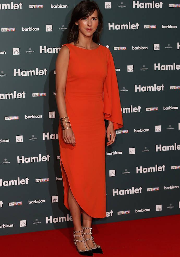 Benedict cumberbatch s wife dazzled at hamlet press night