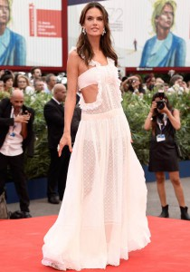 Alessandra Ambrosio Turned Heads At The 'Everest' Premiere