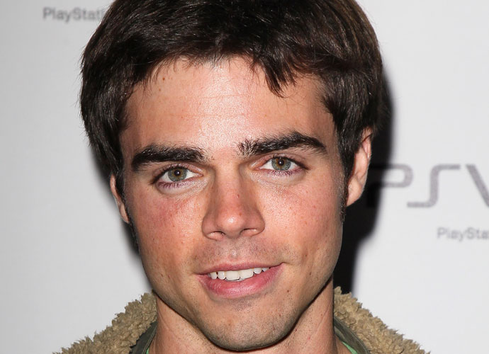 Reid Ewing, 'Modern Family' Actor, Confesses Having Body ...