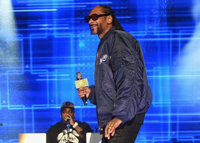 Snoop Dogg Involved In Fight At Funeral Of Ricky Harris