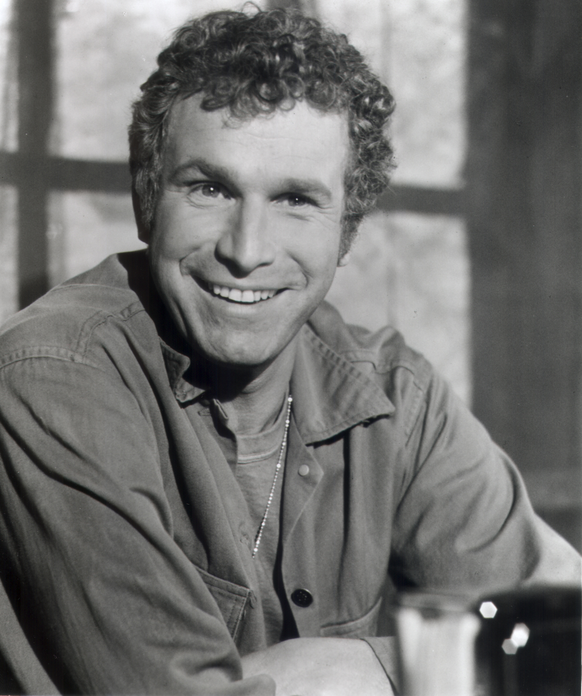 Wayne rogers trapper john on m a s h dead at 82 wayne rogers