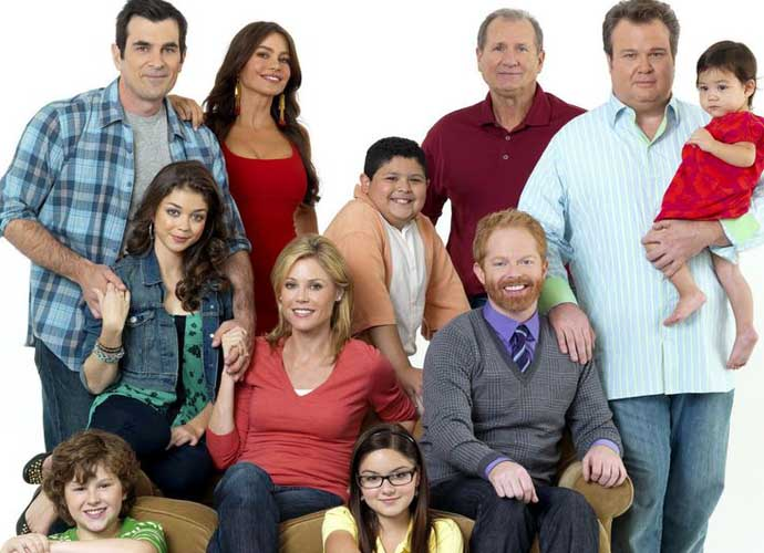 Modern family season 7 episode 15 recap clare attempts to do it all