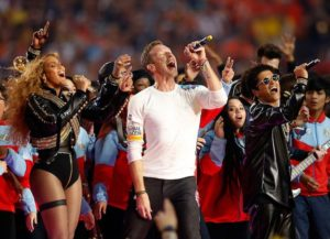 Beyonce & Bruno Mars Join Coldplay Frontman Chris Martin At Super Bowl 50 Halftime