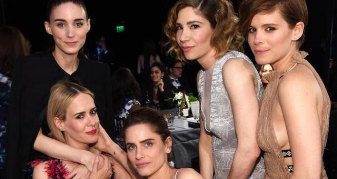 Rooney Mara, Sarah Paulson, Amanda Peet, Carrie Brownstein & Kate Mara Pose Together At The SAG Awards