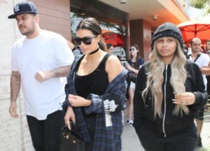 Kim Kardashian Grabs Lunch With Rob Kardashian & Blac Chyna