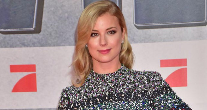 Emily VanCamp Oozed Elegance At 'Captain America: Civil War' Premiere