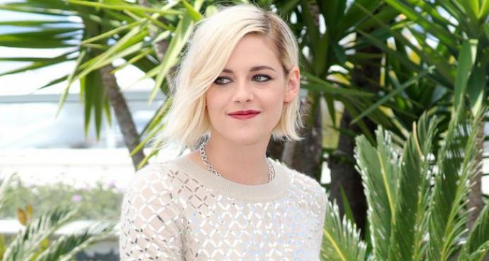 Kristen Stewart Rocks Metallic Look At 'Personal Shopper' Photocall At Cannes
