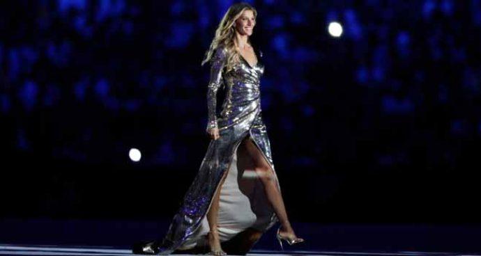 Gisele Bündchen Walks Final Catwalk At 2016 Rio Olympics Opening Ceremony