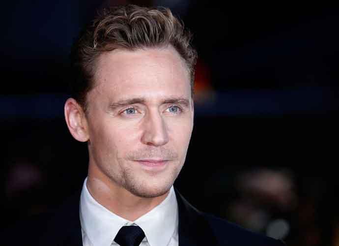 """Tom Hiddleston Apologizes for """"Inelegant"""" Speech At 2017 Golden Globes"""