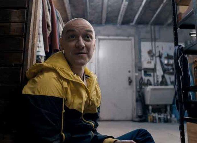 "'Split' Movie Review Roundup: Shyamalan Returns, Leaves Critics ""Split"" Between Good & Dull"