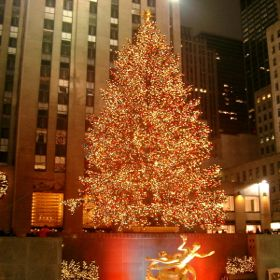Rockefeller Christmas Tree Lighting Ceremony Draws Big Stars
