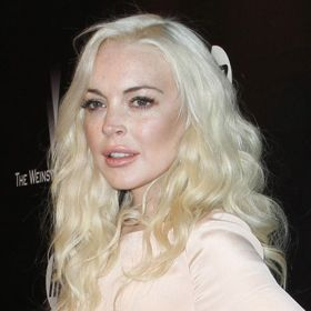 VIDEO: Lindsay Lohan Hosts 'SNL' For First Time In Six Years