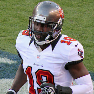 Mike Williams, Tampa Bay Wide Receiver, Stabbed In Leg