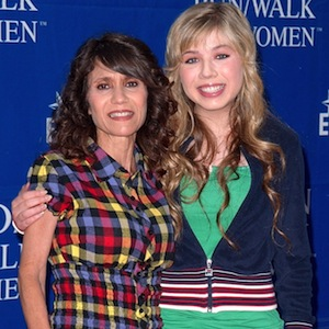 Debra McCurdy, Mother Of 'iCarly' Star Jennette McCurdy, Dies From Breast Cancer