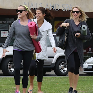 Reese Witherspoon & Naomi Watts Exit Yoga Class Together