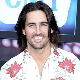Jake Owen Proposes To Girlfriend Lacey Buchanan On Stage