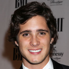 'Pretty Little Liars' Star Diego Gonzalez Boneta In Talks For 'Rock Of Ages'