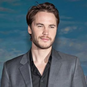 Taylor Kitsch Calls Sex Scenes With Blake Lively 'Very Awkward'