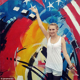 Jana Lutteropp, German Tourist, Dies After Losing Arm In Hawaii Shark Attack