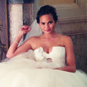 Chrissy Teigen Wears 3 Dresses During Wedding To John Legend [PHOTOS]