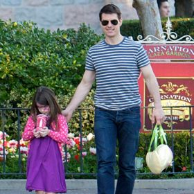 Tom Cruise And Suri Do Disneyland