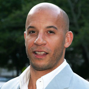 Vin Diesel Addresses Fans At Paul Walker Crash Site