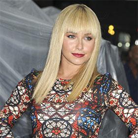 Hayden Panettiere Debuts Platinum Haircut