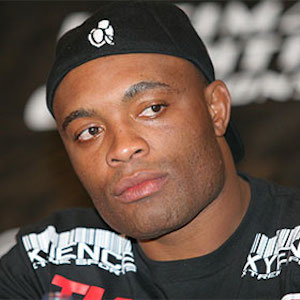 Anderson Silva Shatters Leg In UFC Middleweight Bout [GRAPHIC VIDEO]
