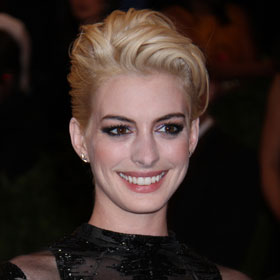 Anne Hathaway Debuts Blond Hair At Met Gala