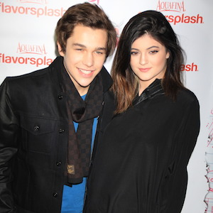 Austin Mahone Poses With Kylie Jenner Before Pre-Super Bowl Concert