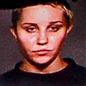 Amanda Bynes Tweets About Mug Shot