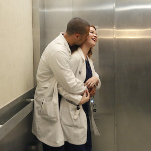 'Grey's Anatomy' Recap: Virus Wreaks Havoc Among Hospital Staff