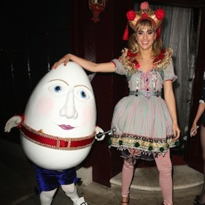 Suki Waterhouse Parties At Pantomime-Themed Gala At London Fashion Week