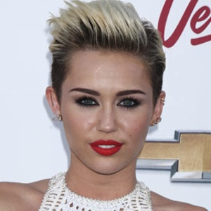 Miley Cyrus Laughs Off Juicy J Pregnancy Rumors