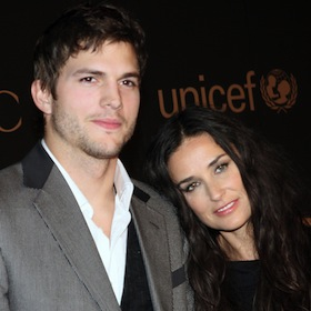 Ashton Kutcher And Demi Moore Reunite At California Airport [VIDEO]