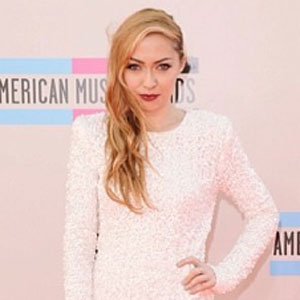Brandi Cyrus, Miley Cyrus' Older Sister, Wows At AMA Red Carpet