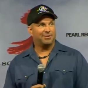 Garth Brooks Announces New Album And World Tour Comeback [VIDEO]