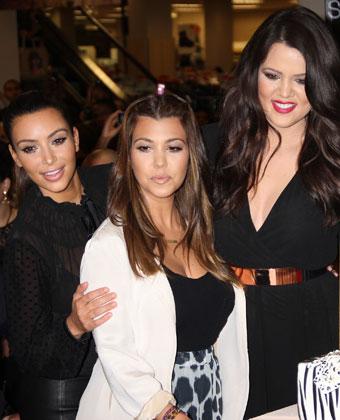 Kourtney Kardashian And Sisters