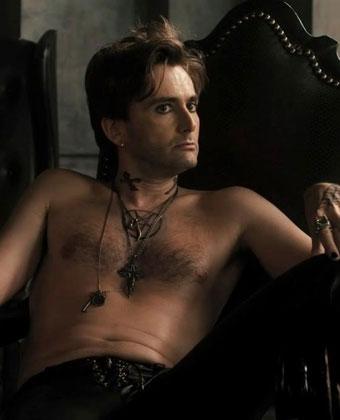 David Tennant Goes Shirtless In 'Fright Night'