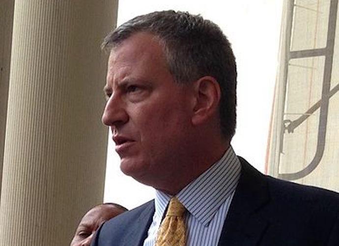 Cops Turn Backs On Mayor De Blasio, Commissioner Bratton Calls Act Inappropriate